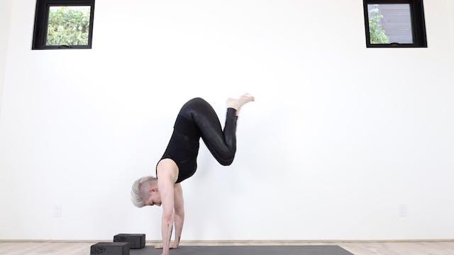 Fierce Flying Flow Yoga (Strengthen F...