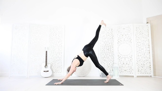 Y 26 Min Yoga Flow For Detox and Total Body Strength