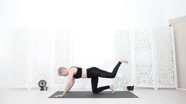 Y Core Strength Transformer Yoga Flow (Intermediate/Advanced 34 Mins