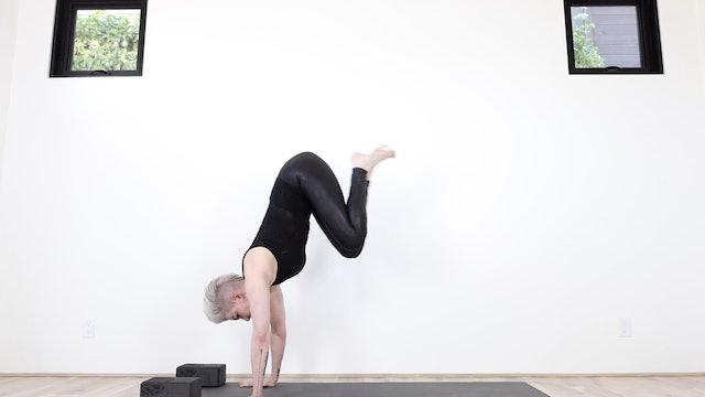 Y Fierce Flying Flow Yoga (Strengthen For Arm Balances & Handstands Too!)