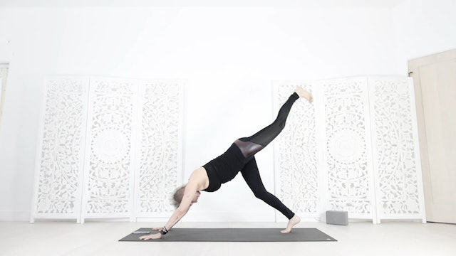 Total Booty/Core Yoga Shred® Workout Flow