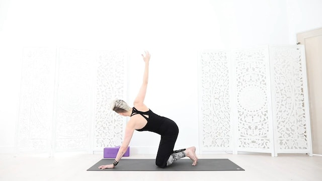 Y Upper Back/Chest Strength & Stretch Yoga Flow