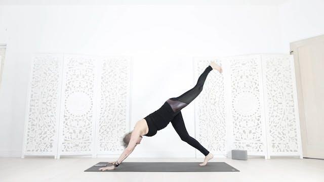 YS Total Booty/Core Yoga Shred® Worko...