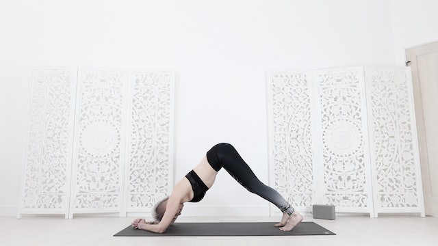 Y Core & Arm Yoga Flow (with Headstand Prep) 34 Mins