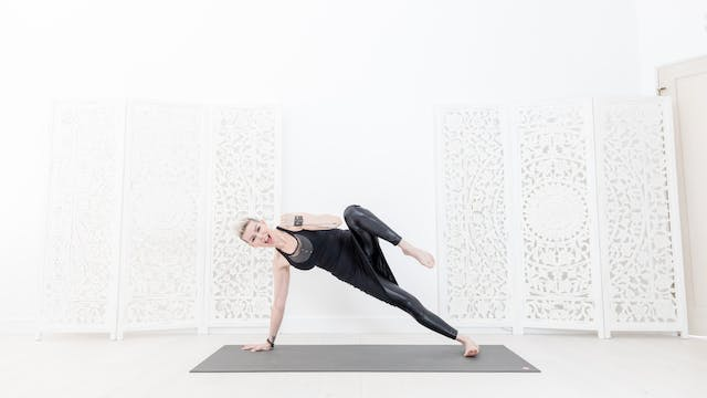 30 Min Whittle Your Middle Yoga Shred