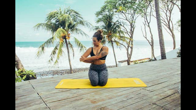 5 Best Post-Surf Stretches