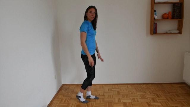 UE_Verletztes Bein Standbein, mit anderem Bein nach vorne und Ferse aufsetzen. Exzentrischer schritt