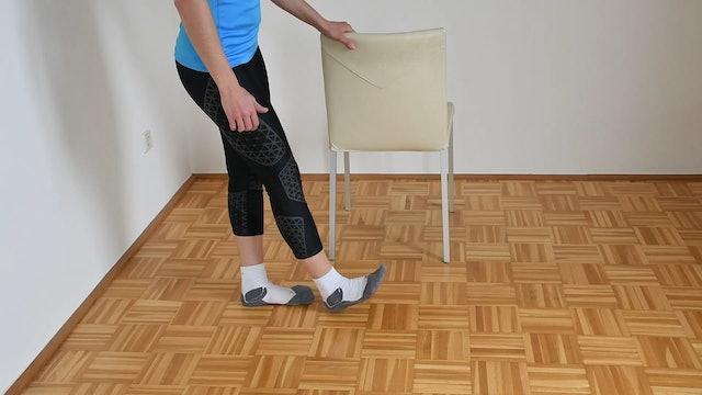 UE_Schritt mit verletztem Bein nach vorne. Wichtig Becken nach vorne bringen (Hüftschwung)