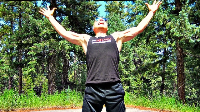 Sean Vigue's 7 Day Yoga Challenge
