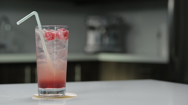 03 - THE BRAMBLE SPRITZER