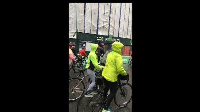 Five Boro Bike Tour third wave starts