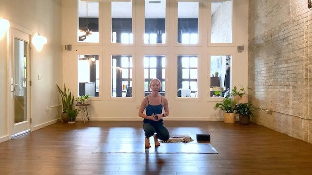 Gentle Prenatal Flow | Kyla Aida | 21 minutes