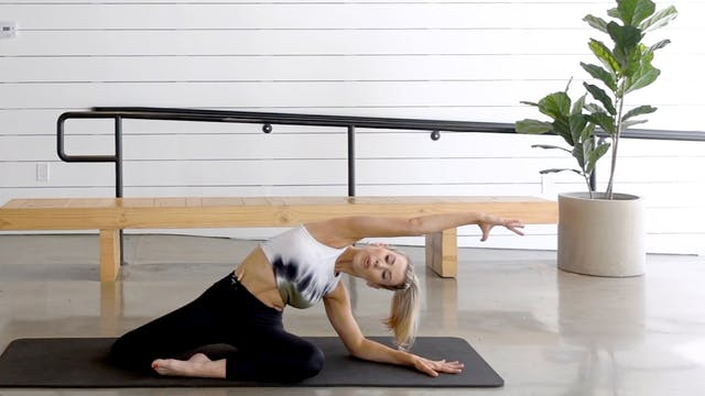20 Minute Stretch Flow