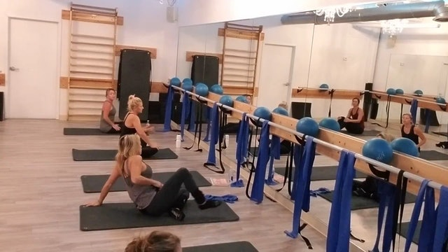 Barre w #marinucci 806 Part 1 Arms & Abs
