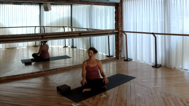 NEW! Yoga Flow: Focus on the side body with Abir