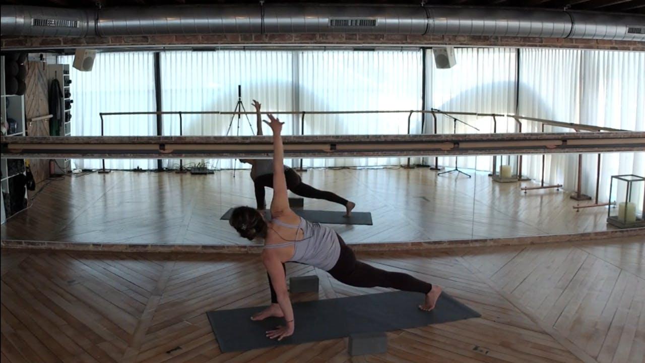 FLW 60 with Abir (Shoulders, hips+ breathe)