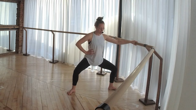 MINI BARRE  15 with Amber (glutes)