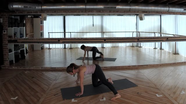 MINI FLOW 15 with Charlotte (glutes)