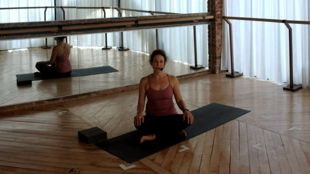 NEW! Yoga Flow 20: Hip + shoulder fusion with Abir