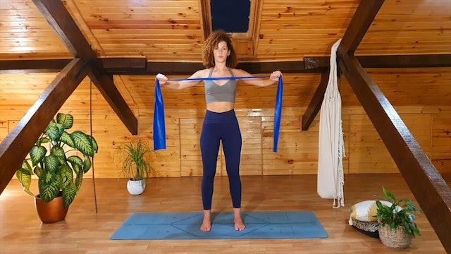 18 min pilates brazos y tren superior con bandas de resistencia