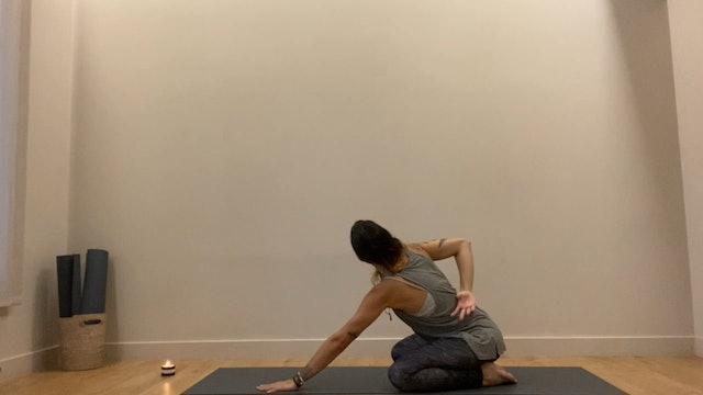 20 min de vinyasa yoga para la movilidad y relajar los hombros