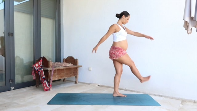 27 min yoga fluye embarazadas