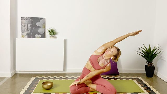 Clase de Yoga | 60 min | Entrena con ...