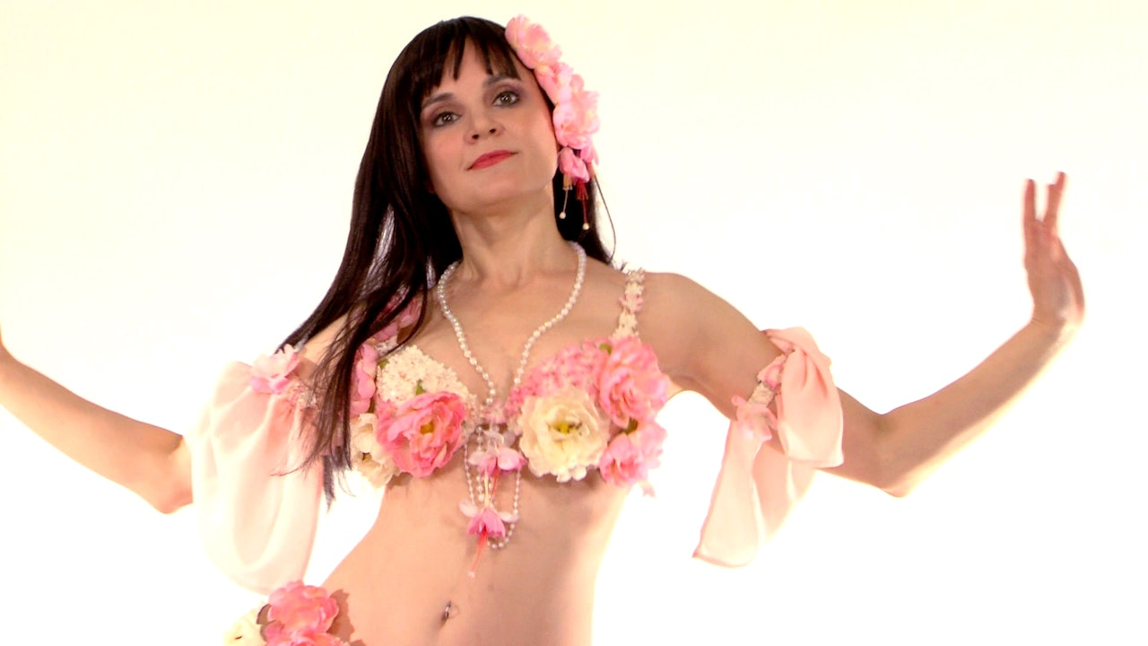 Professional Bellydancer How-To with Tanna