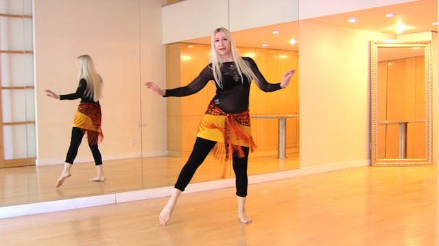 Spinal articulation in belly dance transitions