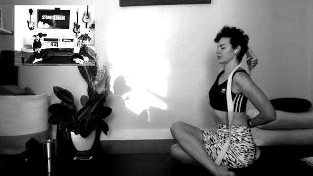 Live Smoke + Flow Yoga w/ Ashlee