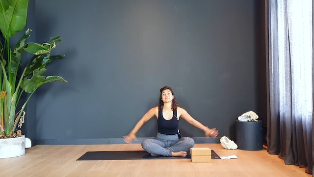 Pilates w/Fi to strengthen and tone all sides of the core | 35 minutes