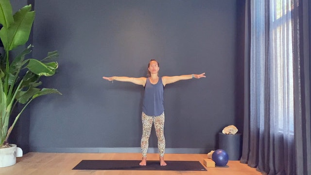 Pilates w/ Rachel for your powerhouse | 35 minutes