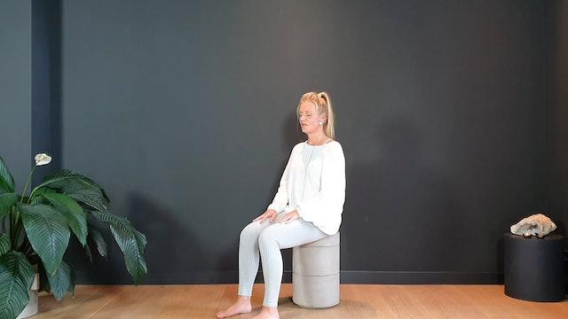 Meditation w/ Melanie to ground | 10 minutes