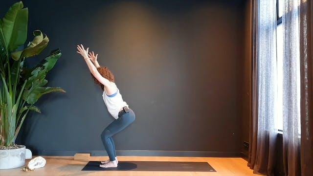 Bondi Flow w/ Roos sun salutations for energy   35 minutes