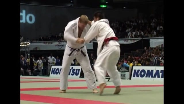 Keeping the lapel   Inoue (FRA)