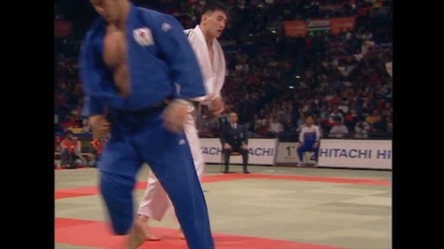 Against right arm over the top | Inoue (FRA)