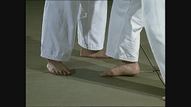 Toshihiko Koga - Seoi nage - feet, posture, hands and arms