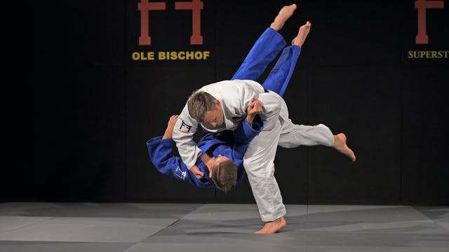 Osoto gari - Direction, posture and e...
