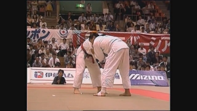 Toshihiko Koga - Ippon seoi nage - right v right