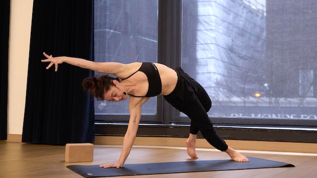 Slow Flow Yoga with Angela: Side Bends