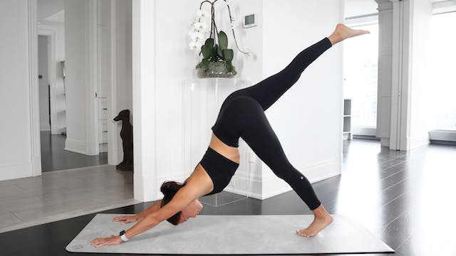 14 Min Morning Flow + Stretch