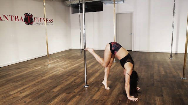 Handstand Split with Natasha Wang