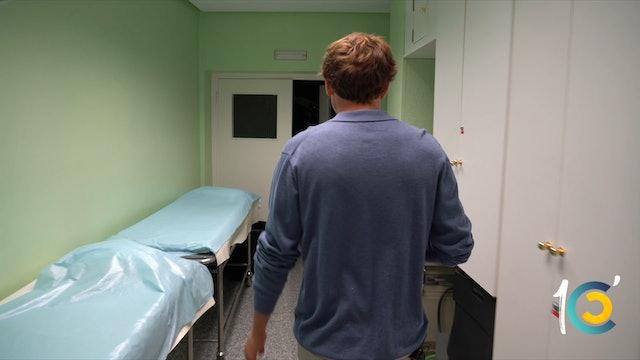 Episodio 16: Román vuelve a la enfermería donde casi pierde la vida hace un año.