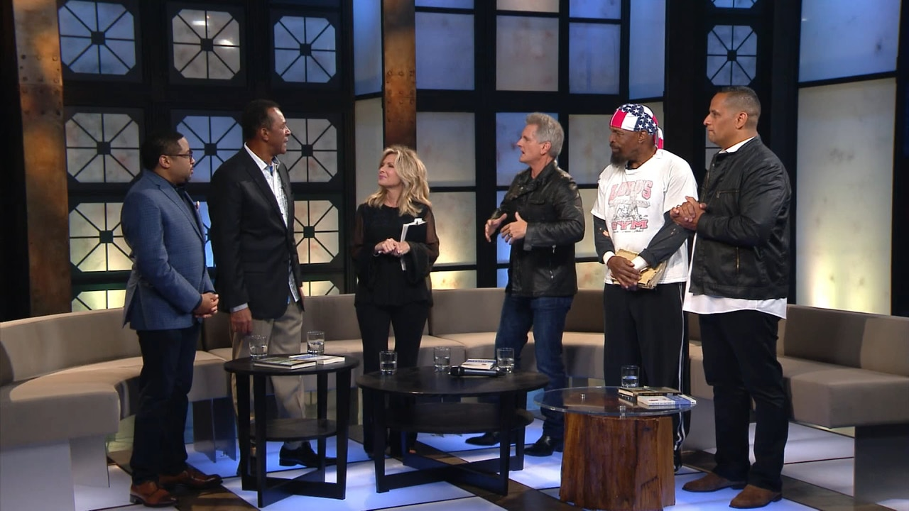Watch Praise | Wilfredo De Jesus, Clifton Davis, Smokie Norful & Mr. T | 08/27/18