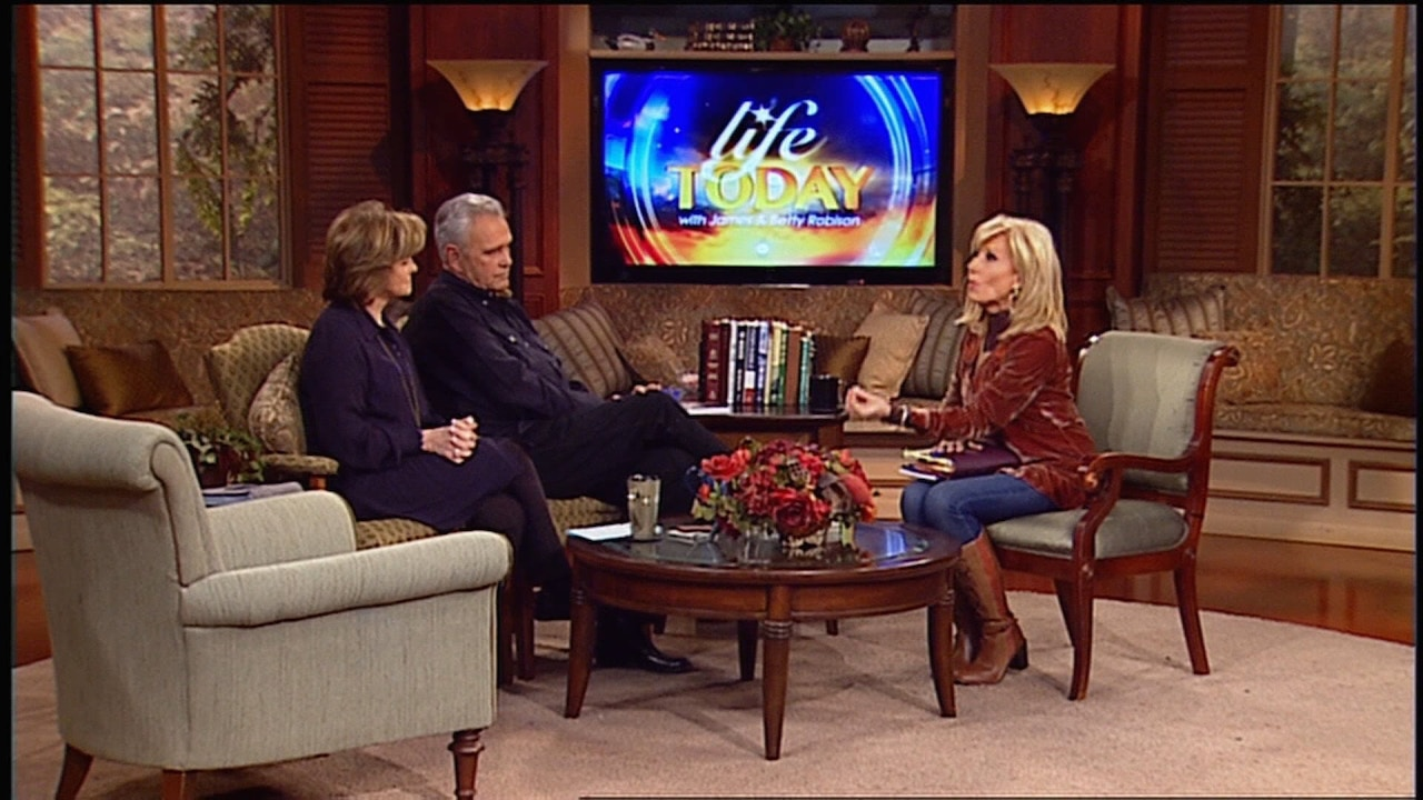 Watch Beth Moore | The Quest