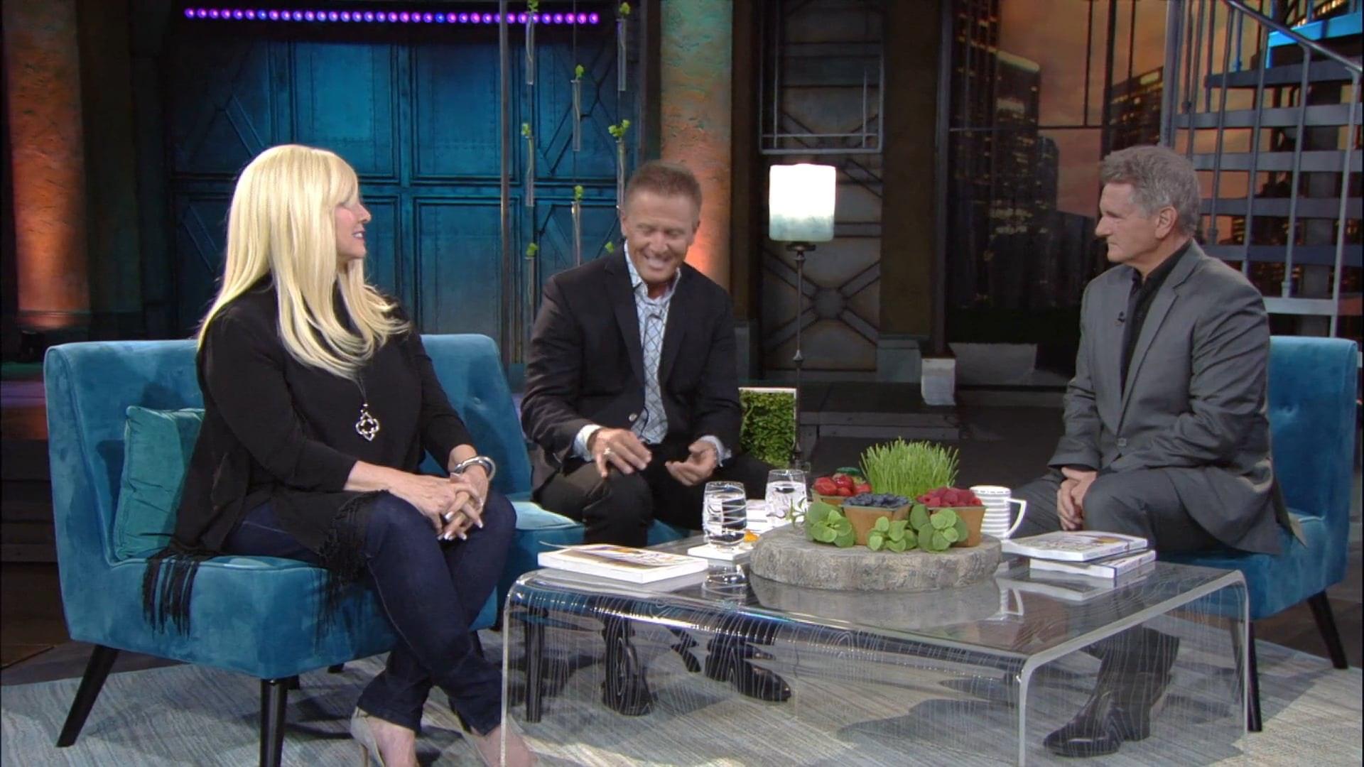 Watch Praise   Dr. Scott Hannen & Dr. Janet Maccaro   8/13/18
