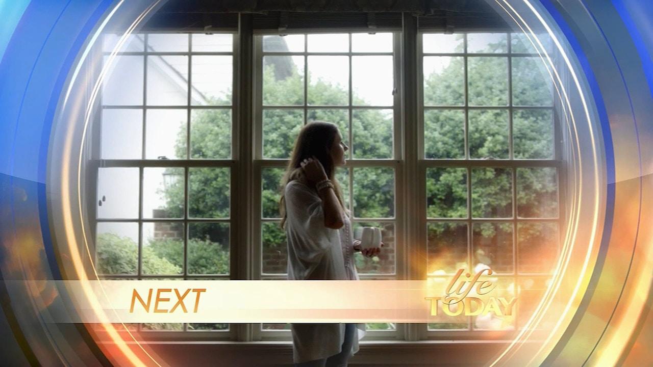 Watch Niki Hardy | Breathe Again