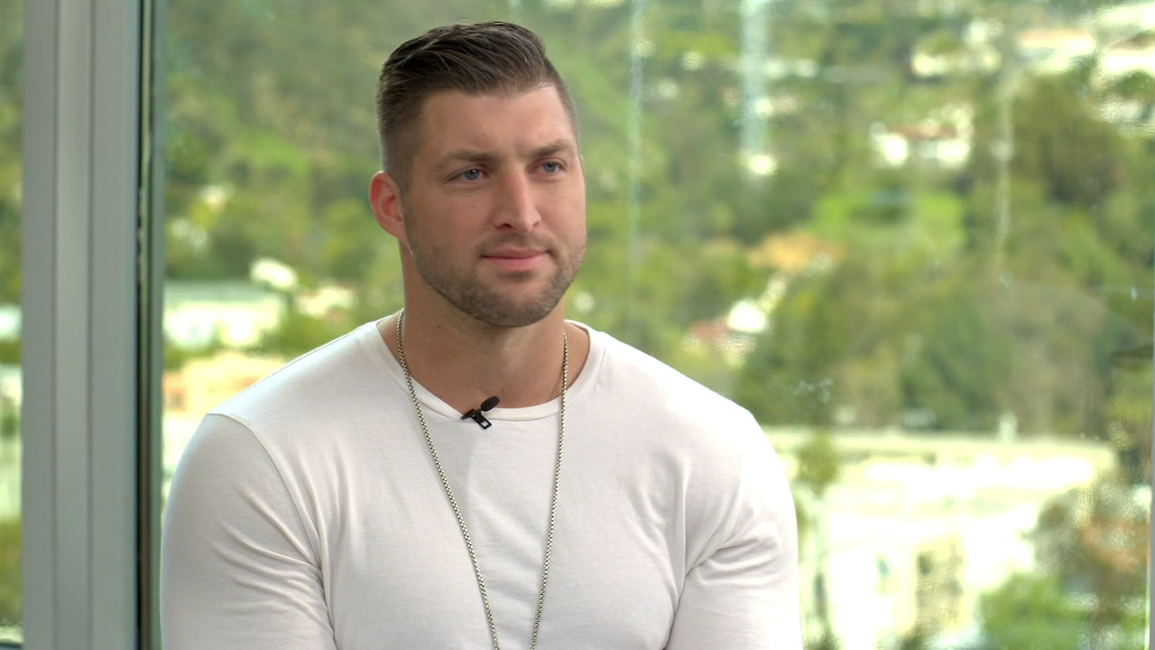 Watch Jamie Alexander hosts Tim Tebow