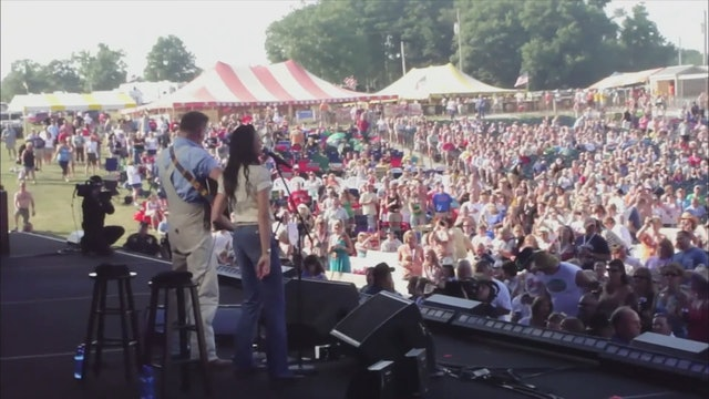 Joey and Rory: The Singer and the Song