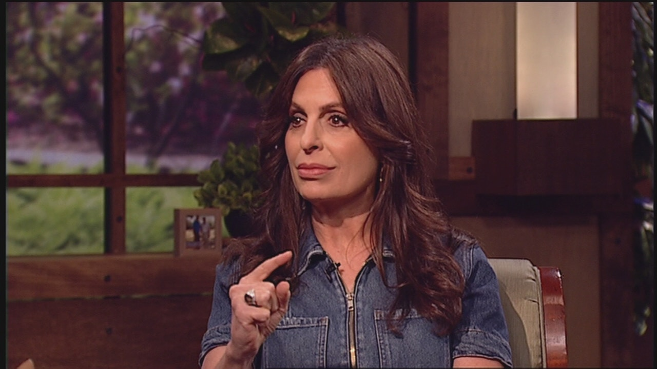 Watch Lisa Bevere | Be Strong